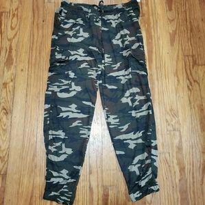 BRAND NEW Plus Size Camo Cargo jogger pants, 1X